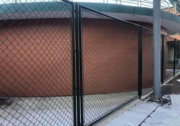 中韩科技园草坪围栏安装现场