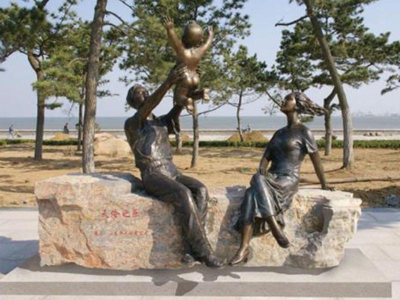 人体铸铜雕塑