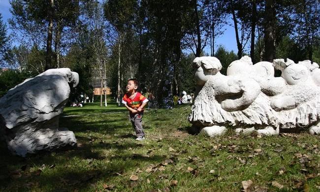 湖南雕塑公司与您鉴赏与这些生命的雕塑