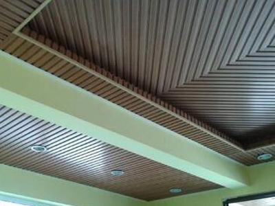别墅天花板打胶