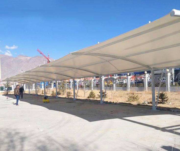 户外西藏拉萨钢膜结构车棚