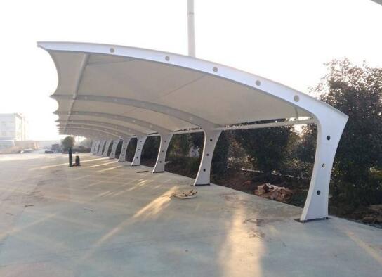 膜结构车棚的应用性