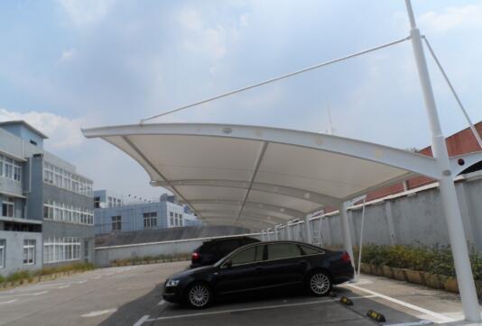 你知道膜结构车棚和塑料车棚的区别吗?