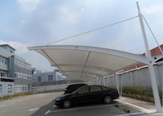 如何长期保持膜结构车棚的美观?