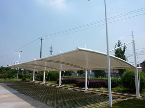 膜结构车棚用什么材料的膜材料防水遮阳?