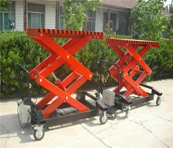 升降平台——四轮移动式液压升降平台