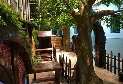 室內仿真榕樹