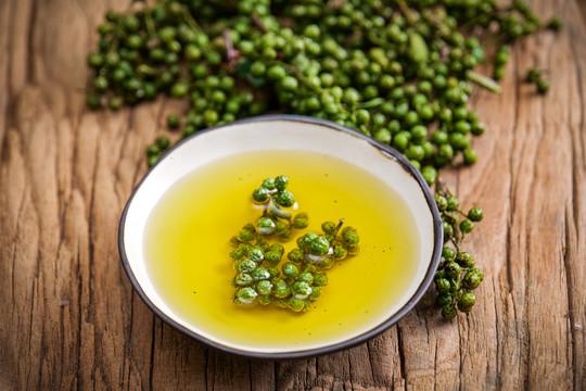 贵州藤椒油厂家告诉你制作藤椒油的小诀窍