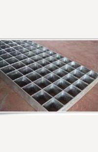 沈阳护栏网:锌钢产品特性: