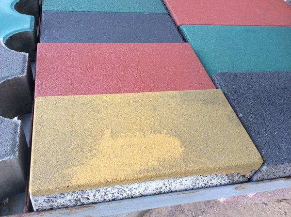 铺广场砖多少钱一平方