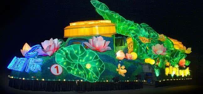 花灯制作公司中花船的表演形式是怎样的?