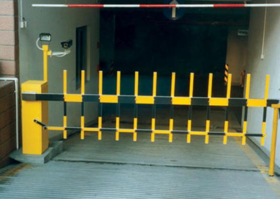 停车场系统选择道闸要注意什么?