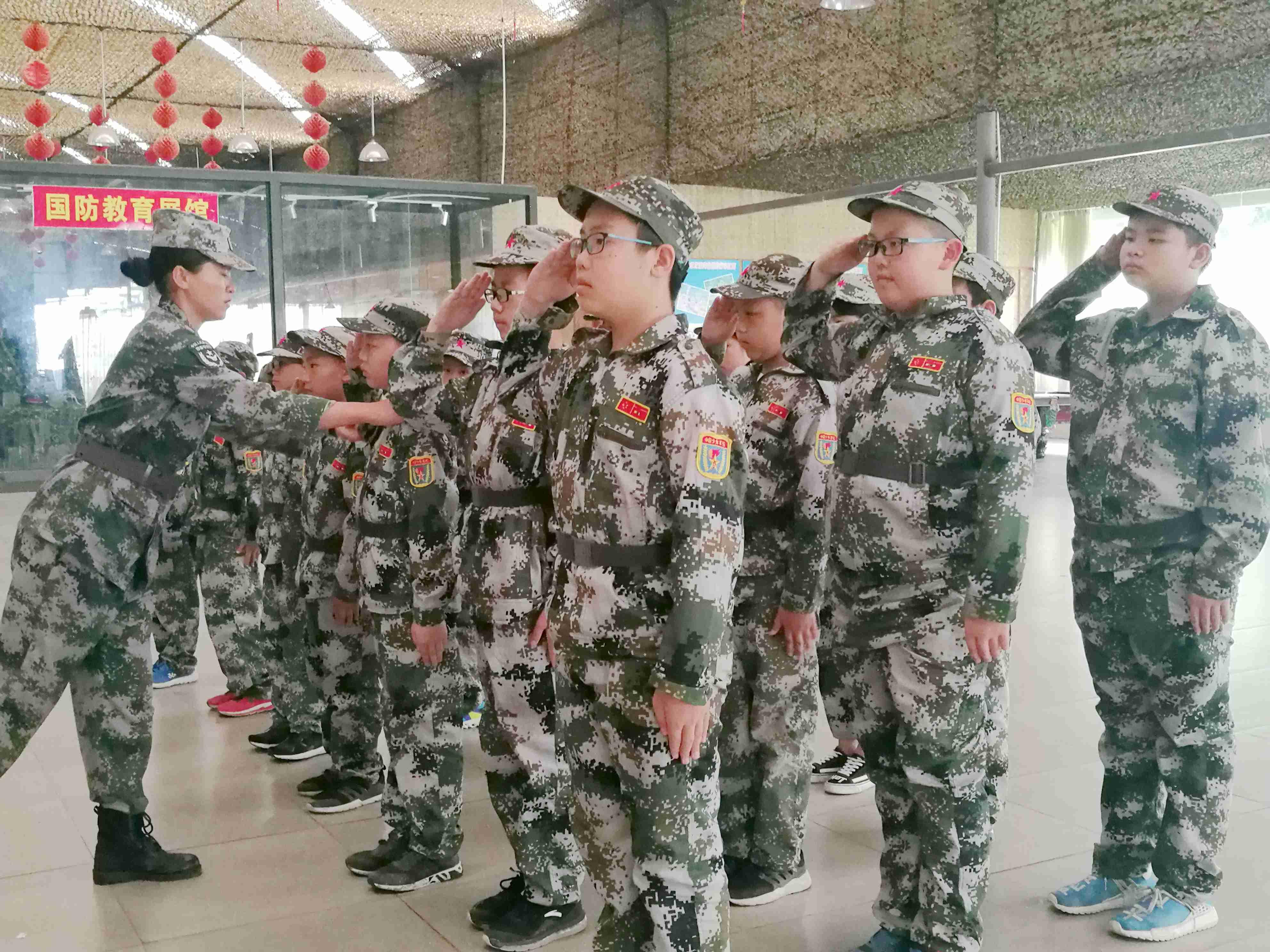 军事夏令营童子军训练
