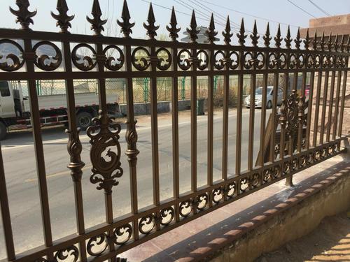别墅铝艺护栏