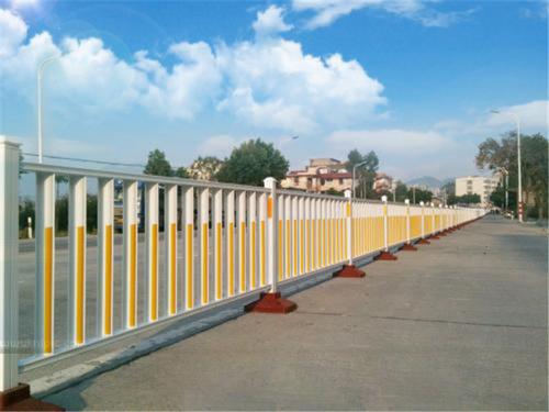 道路交通隔離欄