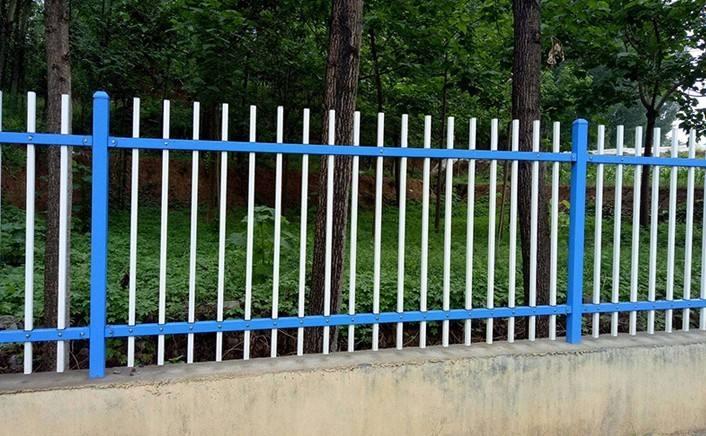 如何保养铁艺护栏