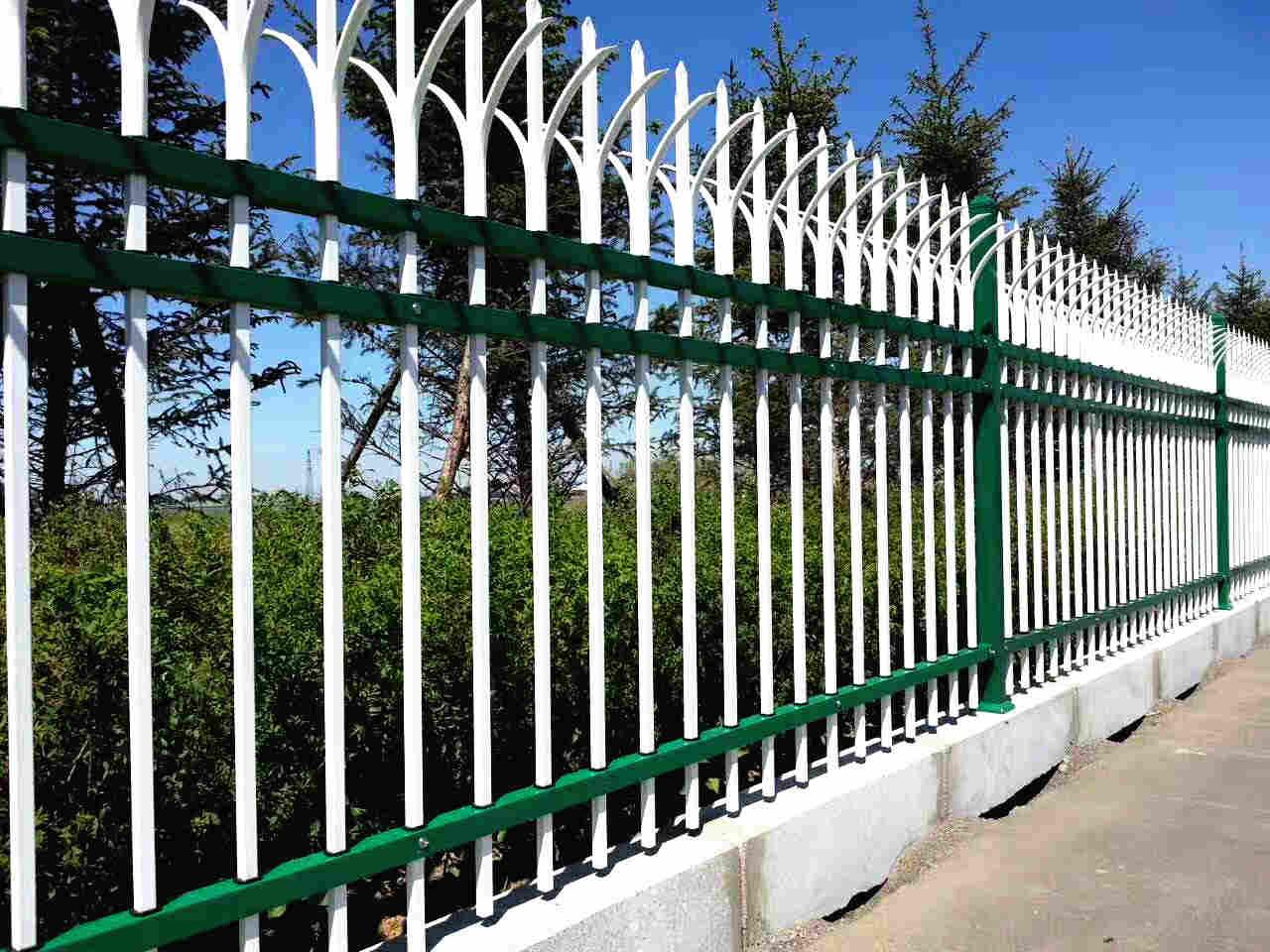 锌钢护栏的加工特点及性能有哪些