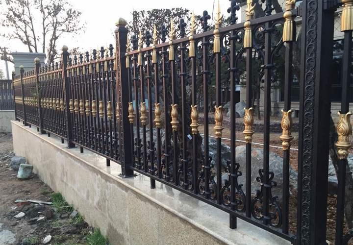 工厂铝艺护栏