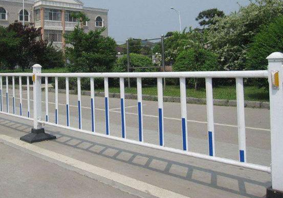 养护市政护栏的基本发展要求