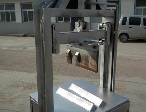 生猪劈半机