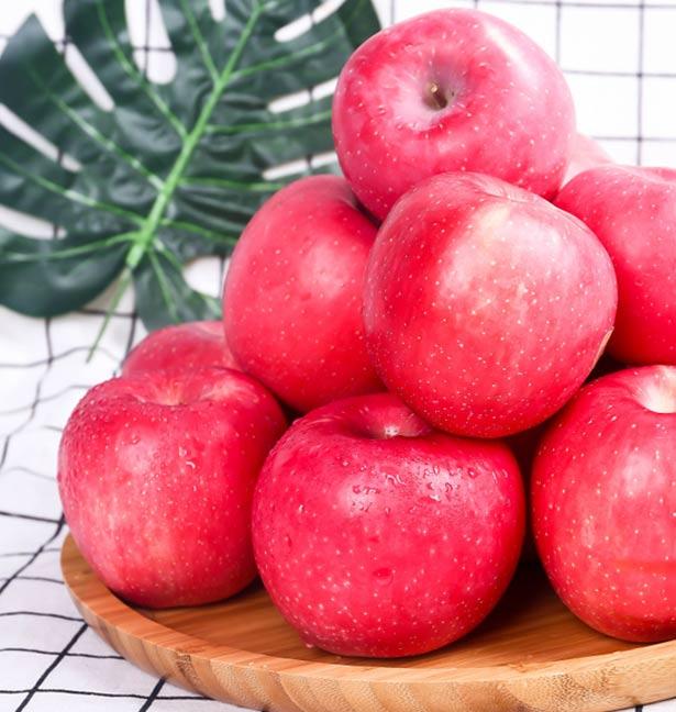 九粒红富士苹果