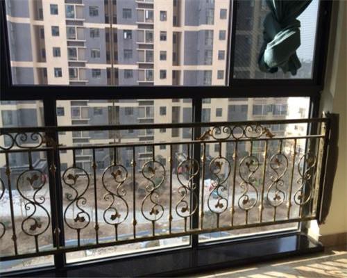 铁艺护栏阳台