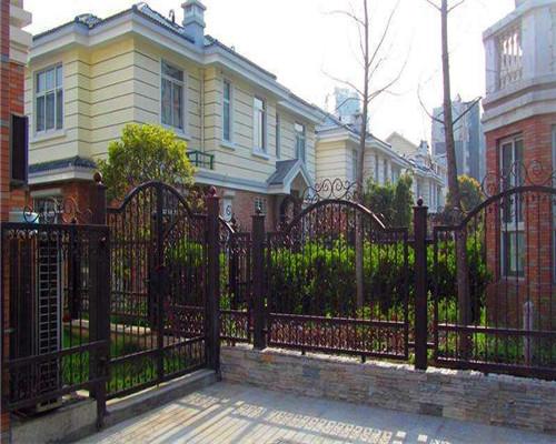 铁艺栏杆:不锈钢栏杆立柱质量的通病与防止措施