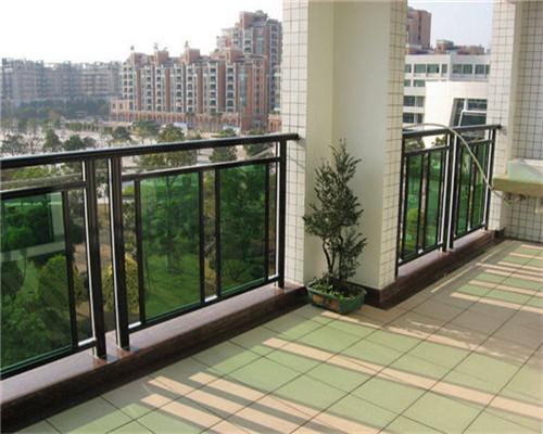室外玻璃阳台护栏