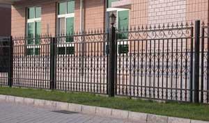 帮你分析铁艺护栏的特点以及铁艺护栏表面装饰