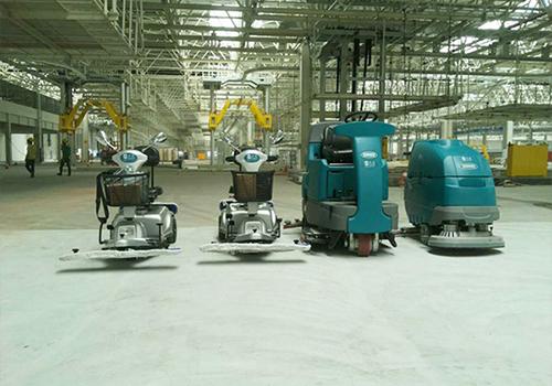 驾驶式洗地机在工厂清洁方面能起多大作用?