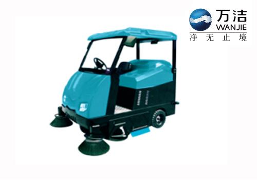 罗图氏 S6 驾驶式扫地机