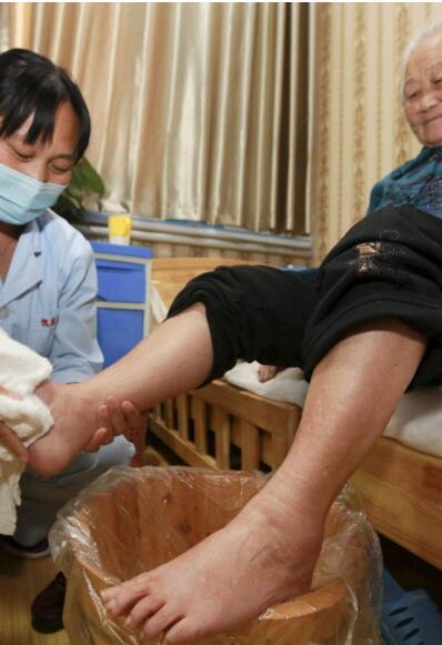 重庆北碚空巢老人护理