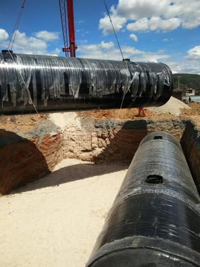 武易高速玻璃钢蓄水池施工现场