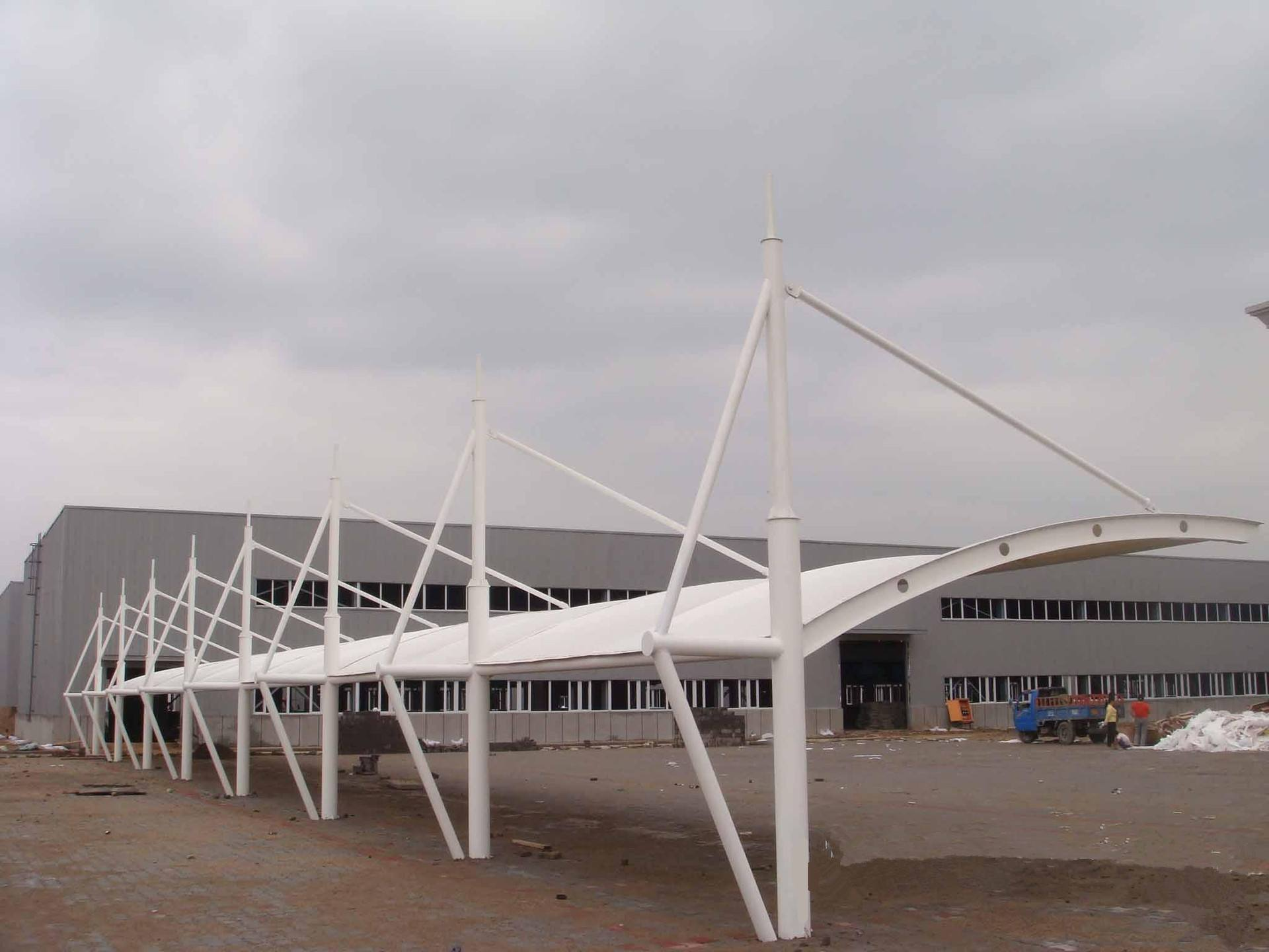 听膜结构停车棚厂家讲述ETFE膜结构的作用以及意义