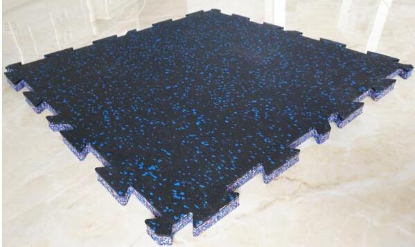 橡胶地垫如何去除难闻的气味?