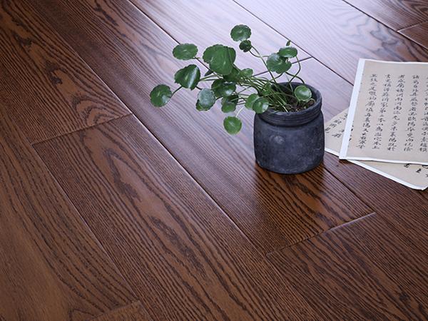 红栎自发热实木多层地板