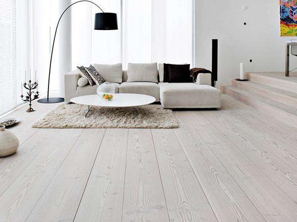 自发热实木多层地板安装