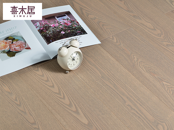 白蜡木多层实木木地板