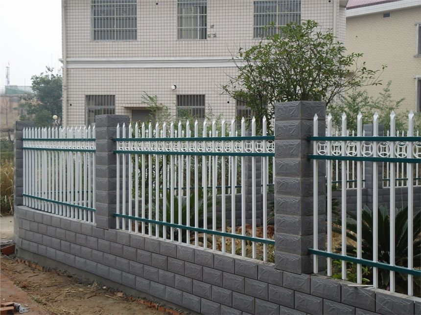 鋅鋼草坪護欄