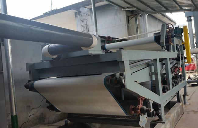叠螺式污泥脱水机比普通脱水设备的优点是什么?