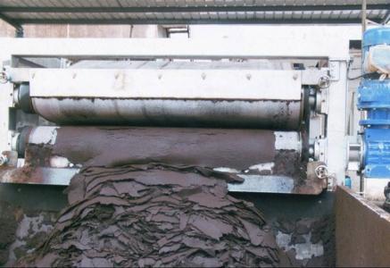 使用污泥脱水机进行相关工作处理的作用