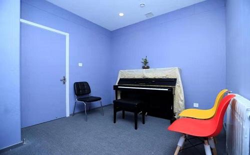 舞时八度钢琴培训