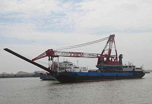淘金船是怎么工作的?与沙金提取设备有何区别?