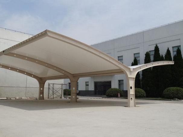 膜结构停车棚在防雷引下线的设计过程之中需要注意哪些事项呢?
