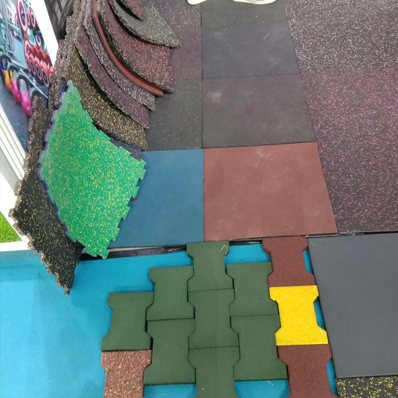 塑胶地砖展示
