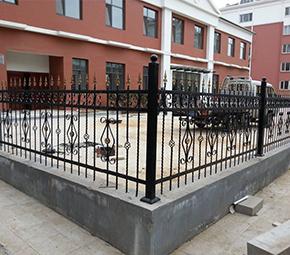 校园铁艺护栏