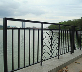 大桥铁艺护栏