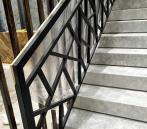 大厦门前楼梯扶手