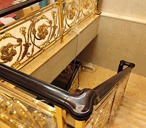 木质楼梯扶手
