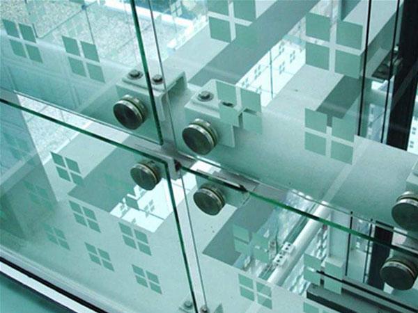 钢化玻璃星空花纹情况的制作工艺控制方法